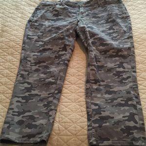 Denim and Company grey camo pants 20W New